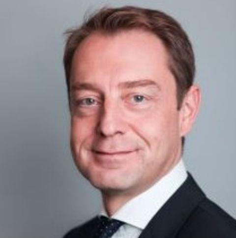 David Flochel joined Selecta as Chief Executive Officer in July 2016.  Prior to this David spent eight years at Mars Inc. and held several senior leadership positions, including Regional President North America and Europe of Mars Drinks. His other experience includes sales leadership roles at Unilever, and marketing roles at Anheuser-Busch InBev and L'Oreal.